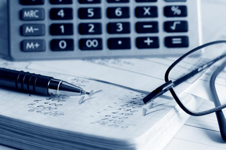 Calculation of financial reports.